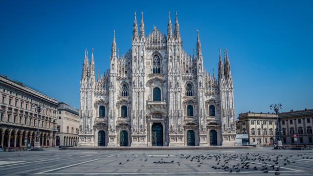 Negocieri intense pentru închiderea totală a marilor orașe din Italia. Primul pe listă este Milano