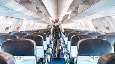 Vaccinul anti-COVID ar putea fi obligatoriu pentru călătoria cu avionul. Anunțul unei companii aeriene