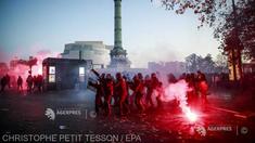 Marșurile pentru libertăți în Franța: 62 de polițiști și jandarmi răniți, anunță Ministerul de Interne