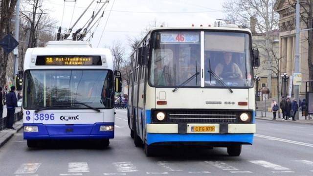 În Chișinău au fost instituite temporar două rute de transport public. Cum vor circula acestea