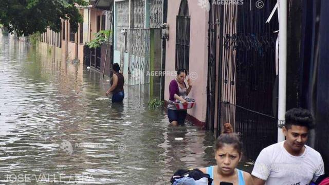 VIDEO/FOTO | Eta a provocat ploi torențiale și inundații catastrofale în America Centrală, bilanțul deceselor crescând vertiginos