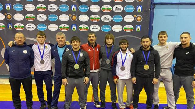 """Luptătorii moldoveni au cucerit 5 medalii la """"Zagreb Open"""""""