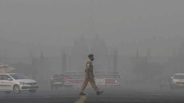 Poluarea în New Delhi a ajuns la un nivel de 20 de ori mai mare decât limita admisă. Efectul este dramatic asupra bolnavilor de COVID-19
