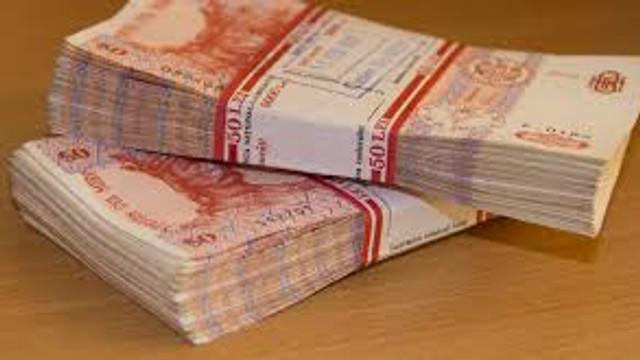 Beneficiarii de indemnizații pentru familii cu copii își pot ridica banii