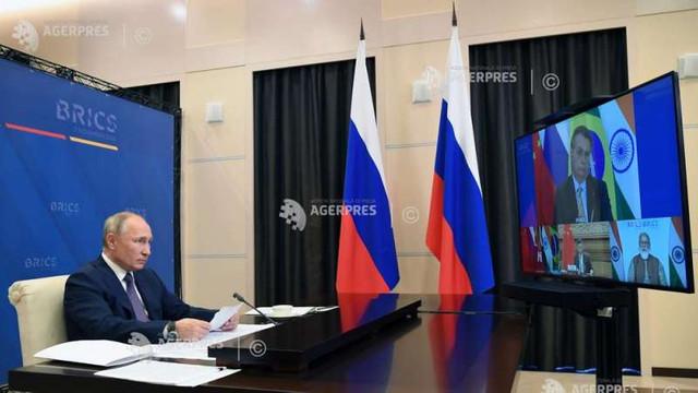 Vladimir Putin cere statelor BRICS să-și unească eforturile pentru producerea vaccinurilor rusești
