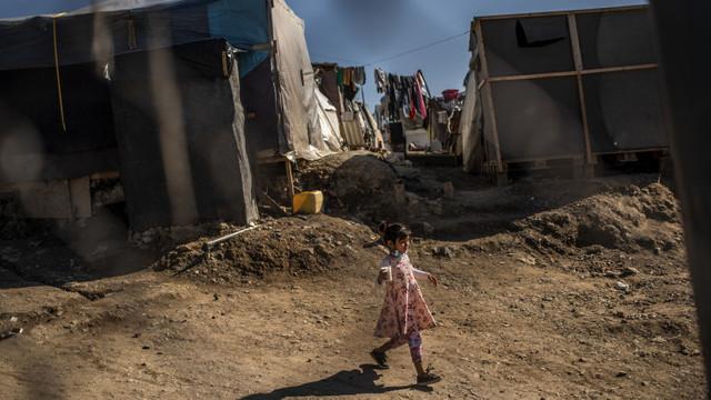 Consiliul Europei denunță condițiile inumane în care sunt ținuți migranții în Grecia. Situații traumatizante pentru copii și bebeluși
