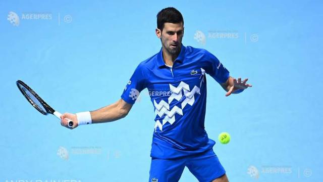 Tenis: Djokovic l-a învins pe Zverev și s-a calificat în semifinalele Turneului Campionilor