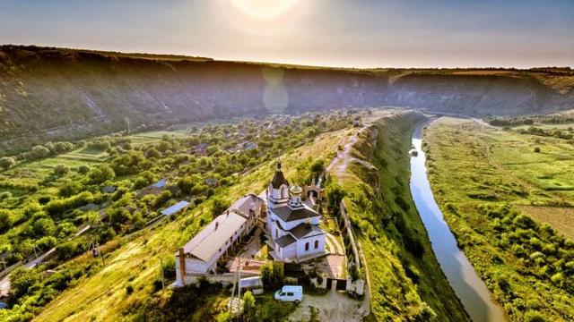 Vacanța în pandemie. Tot mai puțini turiști au ales să viziteze R. Moldova