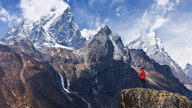 Descoperire alarmantă pe muntele Everest, care arată că natura este în pericol chiar și la 8.440 metri altitudine