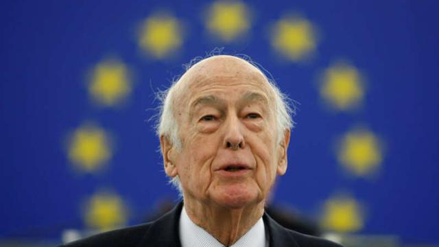 Fostul președinte francez Valéry Giscard d'Estaing a decedat ca urmare a COVID-19