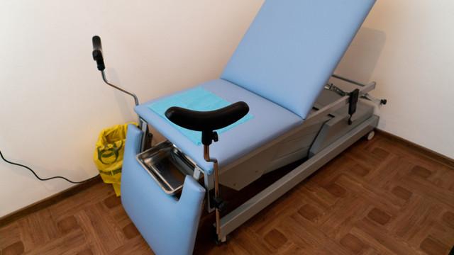 Cinci centre de sănătate au fotolii ginecologice adaptate femeilor cu mobilitate redusă