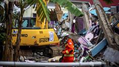 Bilanțul seismului de vineri din Indonezia a crescut la 56 de victime