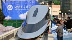 VIDEO | China lansează un prototip de tren care atinge viteze de 620 de kilometri pe oră. Cum arată la interior