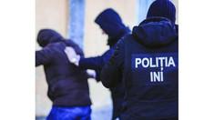 379 de persoane căutate de oamenii legii au fost reținute