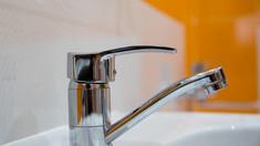 Aproape o sută de mii de consumatori din Chișinău pot rămâne fără apă, consilier