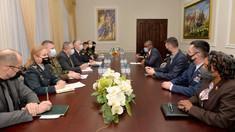 Cooperarea moldo-americană pe segmentul de apărare și perspectivele de consolidare a parteneriatului pentru anul 2021, discutate de către ministrul în exercițiu al Apărării și ambasadorul SUA