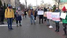 VIDEO | Manifestații pro și contra lui Alexei Navalnîi în fața Ambasadei Federației Ruse la Chișinău