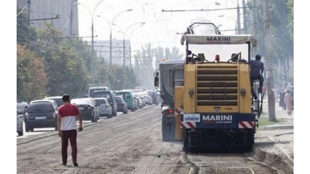 În ultima lună în Chișinău au fost plombate mai mult de o sută de străzi