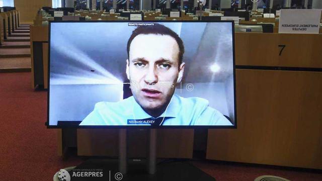 Opozantul rus Alexei Navalnîi urmează să revină duminică la Moscova, în ciuda amenințării că va fi arestat