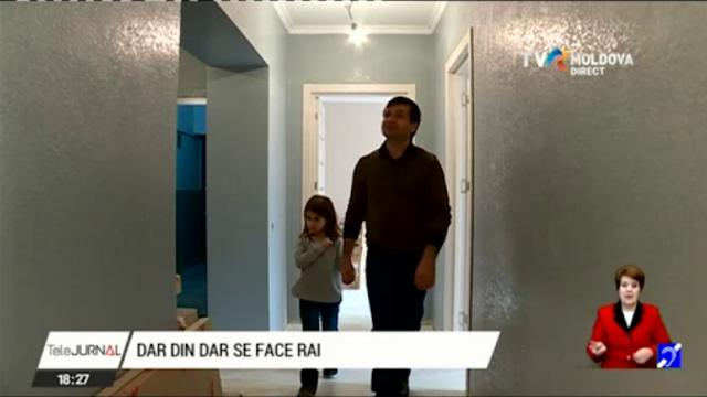 Mitropolia Basarabiei și Asociația Tighina din București au oferit un apartament unui actor care locuiește cu chirie cu familia sa