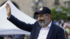 Criza politică din Armenia continuă: Suporterii opoziției au reconstituit scena executării lui Ceaușescu