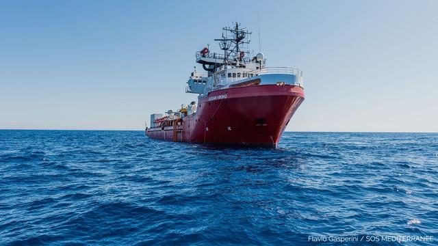 Nava Ocean Viking salvează 400 de migranți, pe fondul înmulțirii numărului plecărilor din Libia