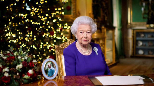 Regina Elisabeta a II-a celebrează în cadru restrâns aniversarea ascensiunii sale la tron