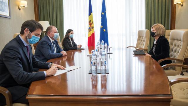 Ambasadoarea Italiei s-a întâlnit cu premierul interimar, la final de mandat