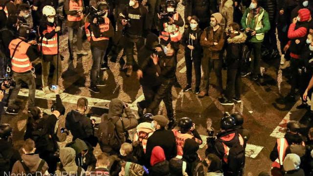 Spania: A șaptea noapte de manifestații la Barcelona după arestarea unui rapper