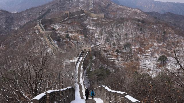 Imagini spectaculoase cu Marele Zid Chinezesc după ninsoare. Cum arată acum unul dintre cele mai aglomerate locuri de pe Pământ