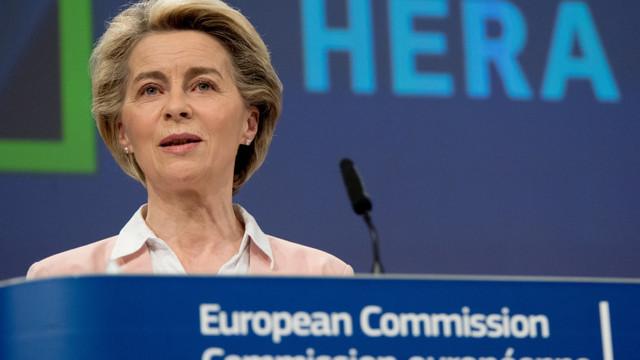 """Ursula von der Leyen: """"Aș face vaccinul AstraZeneca fără să mă gândesc de două ori"""". În Germania rămân doze nefolosite"""