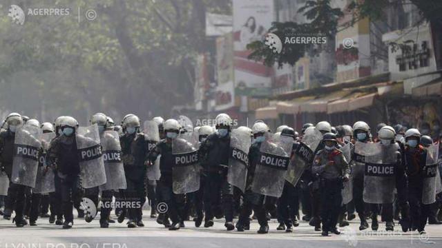 Myanmar | Forțele de ordine intervin din nou asupra protestatarilor la Yangon și în alte orașe