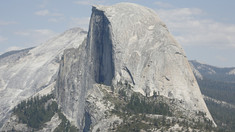 """Doi schiori au sfidat moartea pe muntele Half Dome: """"Dacă aluneci în stânga sau dreapta, cu siguranță ești mort"""""""
