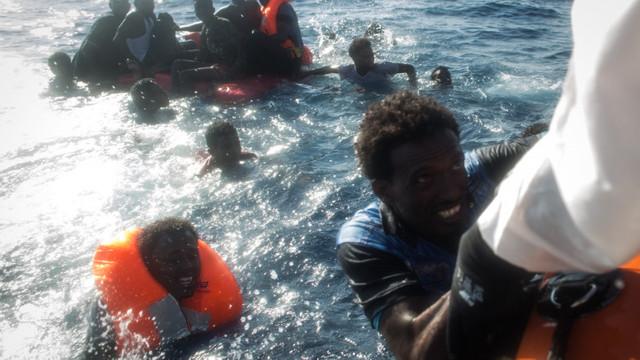 Două bărci cu migranți s-au scufundat în Marea Mediterană. Cel puțin 39 de morți