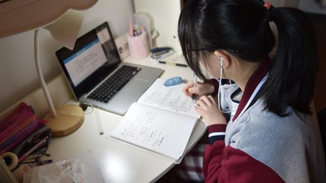 Peste 4.300 de elevi nu pot participa la procesul educațional de la distanță în R.Moldova din cauza faptului că nu au tehnică de calcul și conexiune la internet