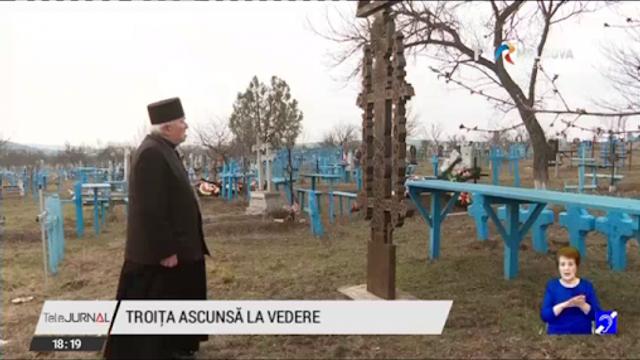 """""""Monumentele Basarabiei Furate"""": Un preot din Sărata Galbenă a salvat o troiță veche românească, pe care a găsit-o încă acum 40 de ani"""