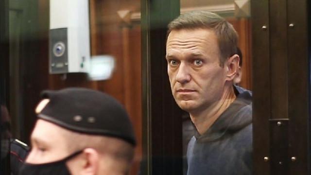 Aleksei Navalnîi, aflat în greva foamei, a fost amenințat că va fi alimentat cu forța