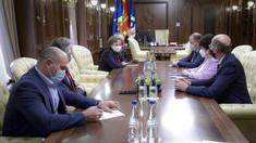 Experți, despre convocarea în ședință a membrilor Guvernului interimar de către președintele Parlamentului: Este un abuz și o încălcare a principiul separației puterilor în stat. Sunt acțiuni politice sută la sută