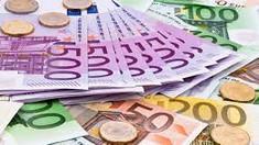 Euro a atins astăzi cel mai înalt nivel din acest an. Cum explică experții această creștere