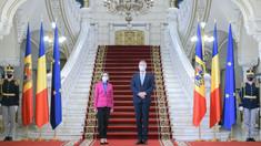 Președintele României, Klaus Iohannis, a reiterat mesajul ferm de susținere pentru agenda de reforme promovată de Maia Sandu, în spiritul Parteneriatului Strategic bilateral și al relațiilor dintre cele două state