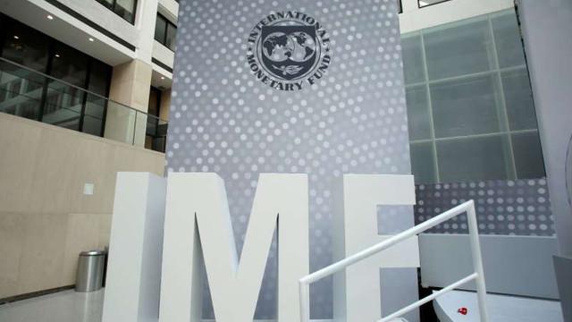 Fondul Monetar Internațional îmbunătățește perspectivele economiei mondiale, dar avertizează asupra gradului ridicat de incertitudine