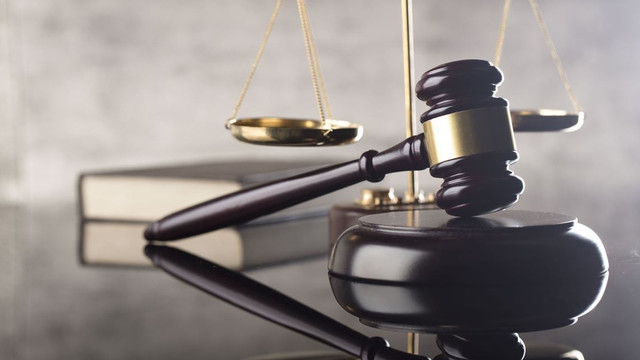 Studiu: Hotărârile instanțelor sunt formulate complicat, iar judecătorii tind să utilizeze fraze standard