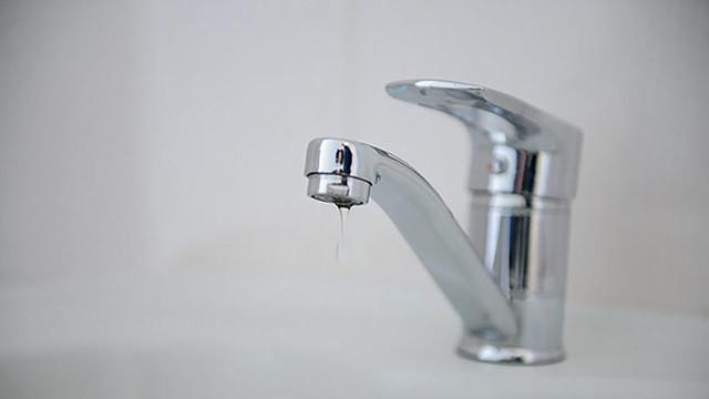Fără apă la robinet pentru consumatorii de pe mai multe străzi din Chișinău