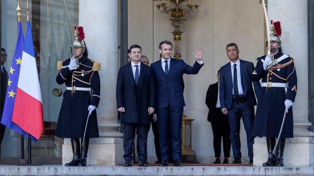 Emmanuel Macron îl va găzdui vineri pe liderul ucrainean Volodimir Zelenski la Palatul Élysée
