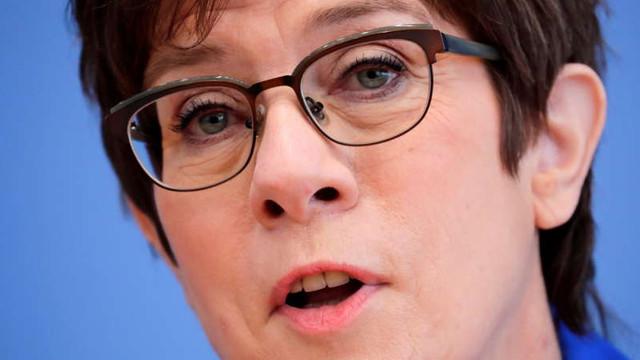 Rusia generează o amenințare concretă și imediată pentru securitatea Europei, avertizează ministrul apărării german
