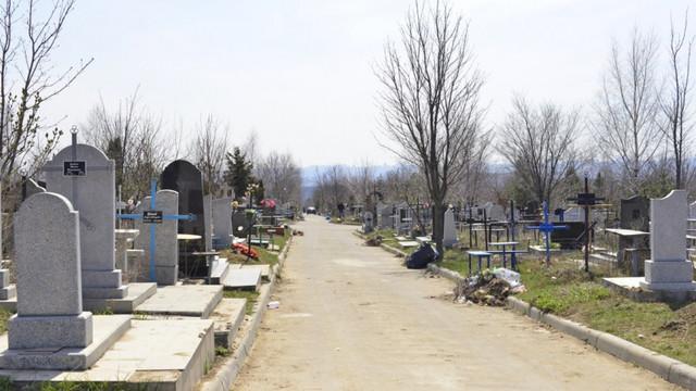 Cetățenii Capitalei sunt îndemnați să facă curățenie la mormintele răposaților până la sărbătorile de Paști