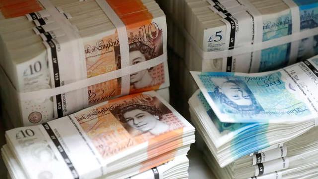 Marea Britanie revizuiește reglementările bancare pentru a spori competitivitatea Londrei pe plan globa