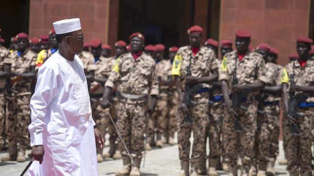 Președintele Ciadului, Idriss Deby, a fost ucis marți pe front după mai mult de 3 decenii în fruntea țării