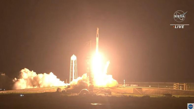 Zborul SpaceX cu 4 astronauți la bord a debutat cu succes. Destinația este Stația Spațială Internațională