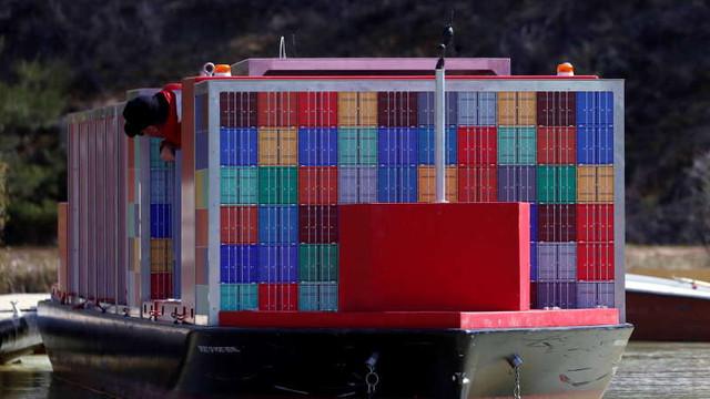 Containerele maritime încep să cadă peste bord pe fondul presiunilor pentru urgentarea livrărilor